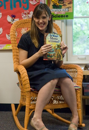 Jennifer Garner Promoting Reading